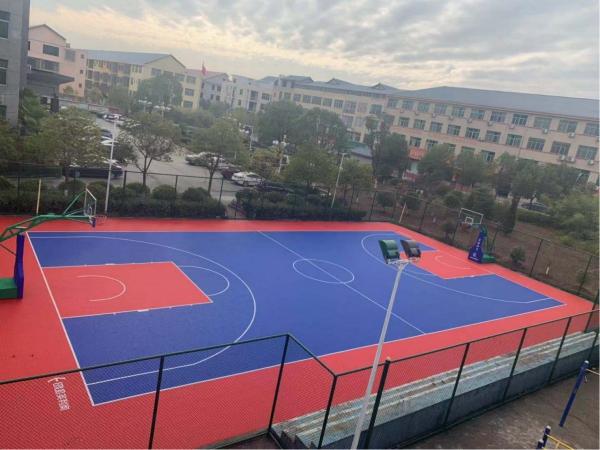 貴溪市羅河鎮政府籃球場