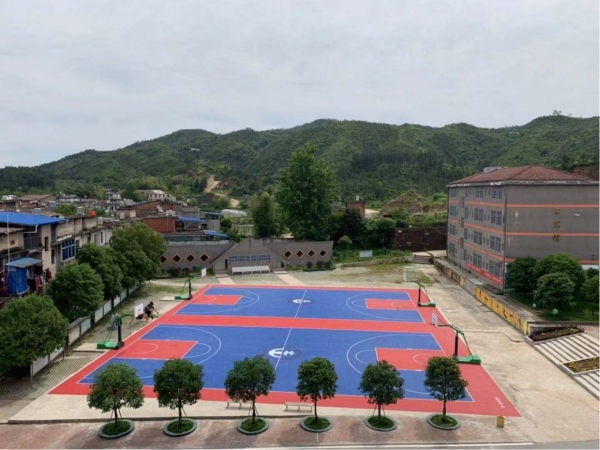 貴溪市塘灣中學塑膠籃球場